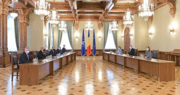 O nouă rundă de consultări la Palatul Cotroceni. Klaus Iohannis a chemat partidele la discuții pentru desemnarea unui nou premier